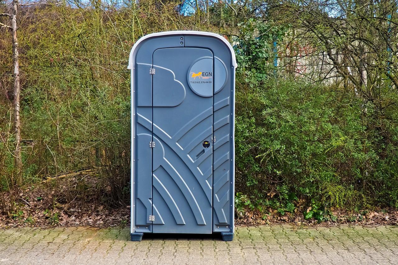 """Nie przeczytali regulaminu darmowego Wi-Fi, zgodzili się na <span class=""""numbers"""">1000</span> godzin czyszczenia toalet!"""