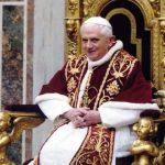Papież Benedynkt XVI zniknie jako autor książki o celibacie