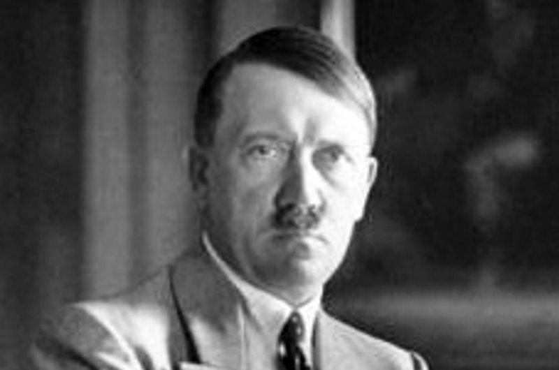Wiadomo już czy Hitler rzeczywiście zginął w Berlinie. Naukowcy zbadali zęby dyktatora