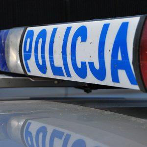 Mrągowo: Niespełna 3-letnie dziecko traciło oddech i przytomność – policjanci pomogli w porę dotrzeć do szpitala