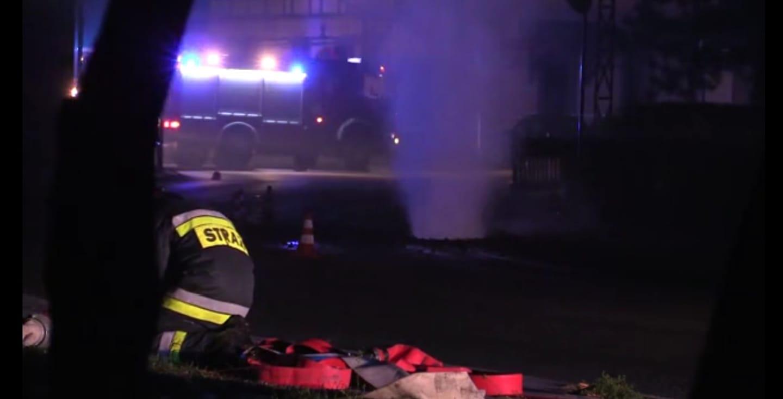 Z OSTATNIEJ CHWILI: Ogromny wyciek gazu w Jeleniej Górze! Trwa ewakuacja mieszkańców [WIDEO]