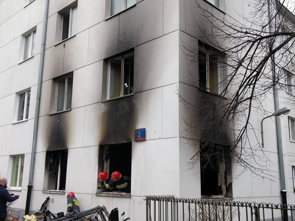 Pożar mieszkania w Warszawie. Mieszkanie spłonęło doszczętnie