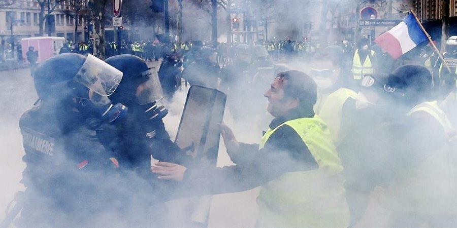 Kolejne protesty w Paryżu! Policja używa armatek i broni! [WIDEO NA ŻYWO Z PARYŻA]