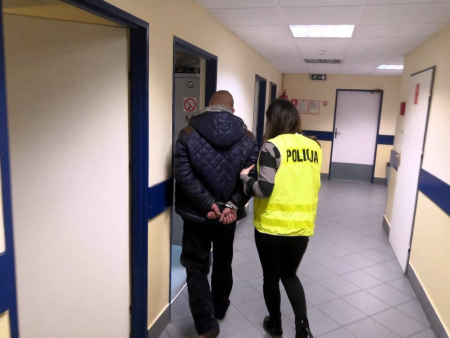 Policja publikuje oficjalny komunikat w sprawie warszawskiego nożownika. Zatrzymano go pod dyskontem