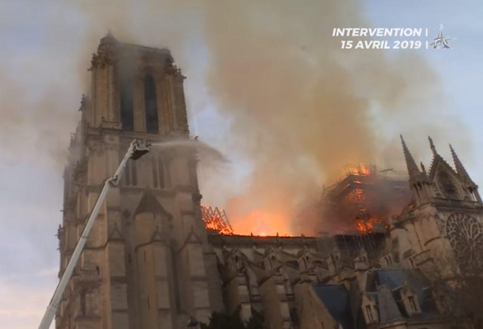 """Kontrowersyjny wpis profesora UW: """"Budynek przypomina nam o chrześcijańskich mordach na Żydach"""""""