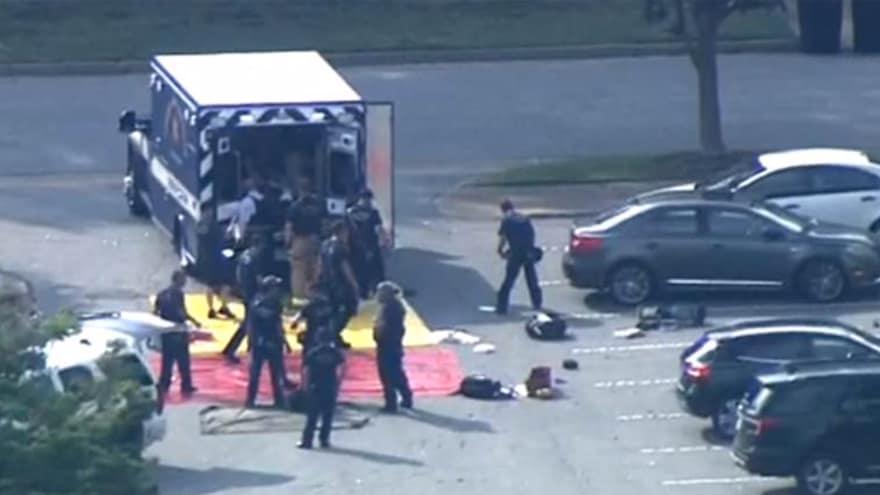 Strzelanina w urzędzie miejskim! Nie żyje 13 osób, a kilka jest rannych [WIDEO]