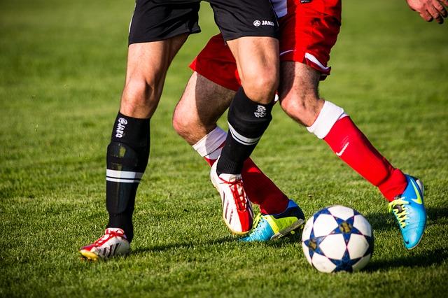 Słynny piłkarz został zaatakowany przez nożownika. Uratował go kolega z drużyny