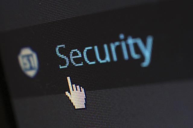 """W Polsce powstaje """"Centralny rejestr domen zakazanych"""". Będzie narzędziem cenzury i inwigilacji, czy bezpieczeństwa?"""