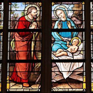 Segregacja matek w kościele? Zwolnili adopcyjne, zostawili biologiczne