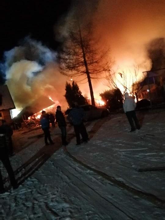 Z Polski: Odnaleziono ciała ośmiu osób. W tym czworo dzieci