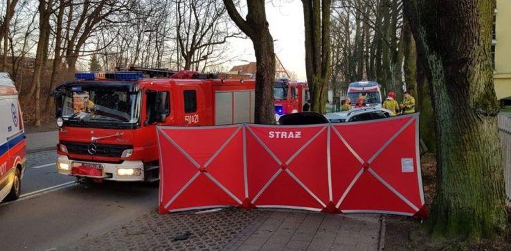 Wypadek w Sopocie. Jedna osoba nie żyje, druga jest w szpitalu